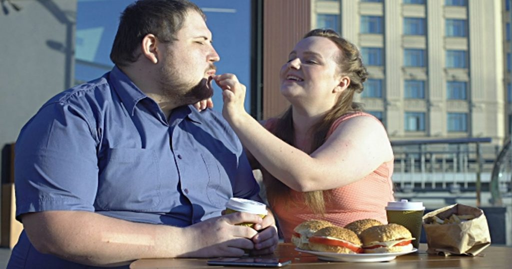 Gaining-Weight-Together-as-a-Couple-Proves-That-You're-in-a-Happy-Relationship-1