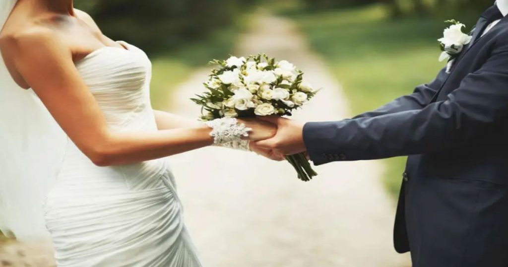 According-to-Study-those-who-Spend-too-Much-Money-on-their-Wedding,-Gets-more-Chances-of-Failed-Relationship-0