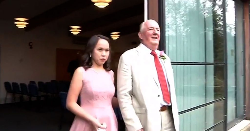 Deputy-Mayor,-73,-Marries-Filipina-Whom-He-Met-at-an-Online-Dating-Site-Who-is-Four-Decades-Younger-0
