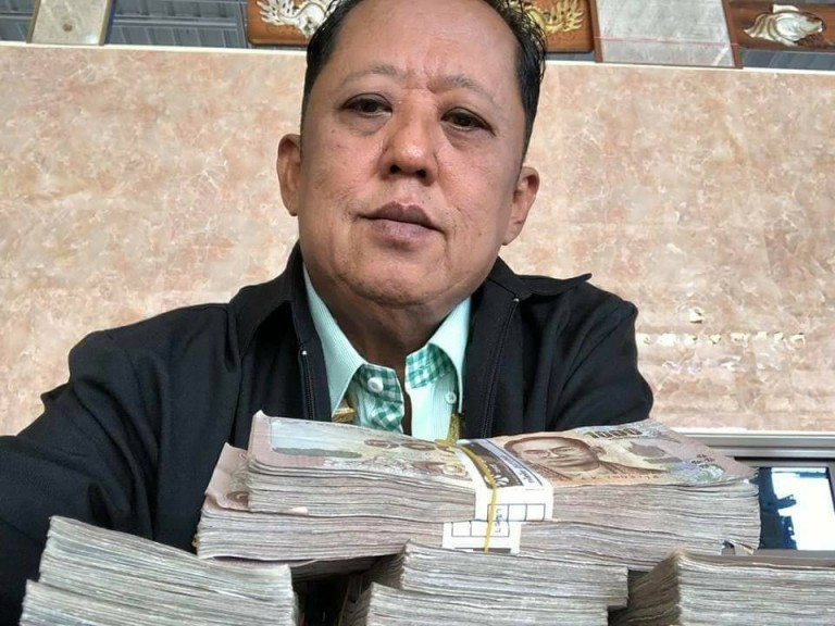 Thai-Millionaire-Offers-USD300,000-to-Whoever-Marries-His-Daughter,-Shocks-Netizens 2